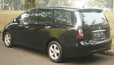 Mitsubishi Grandis A/T: